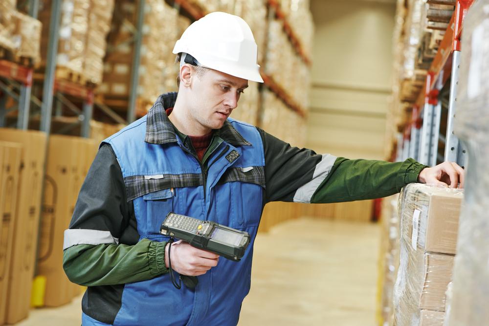 Preparador de pedidos y conductor de EPT (order picker)