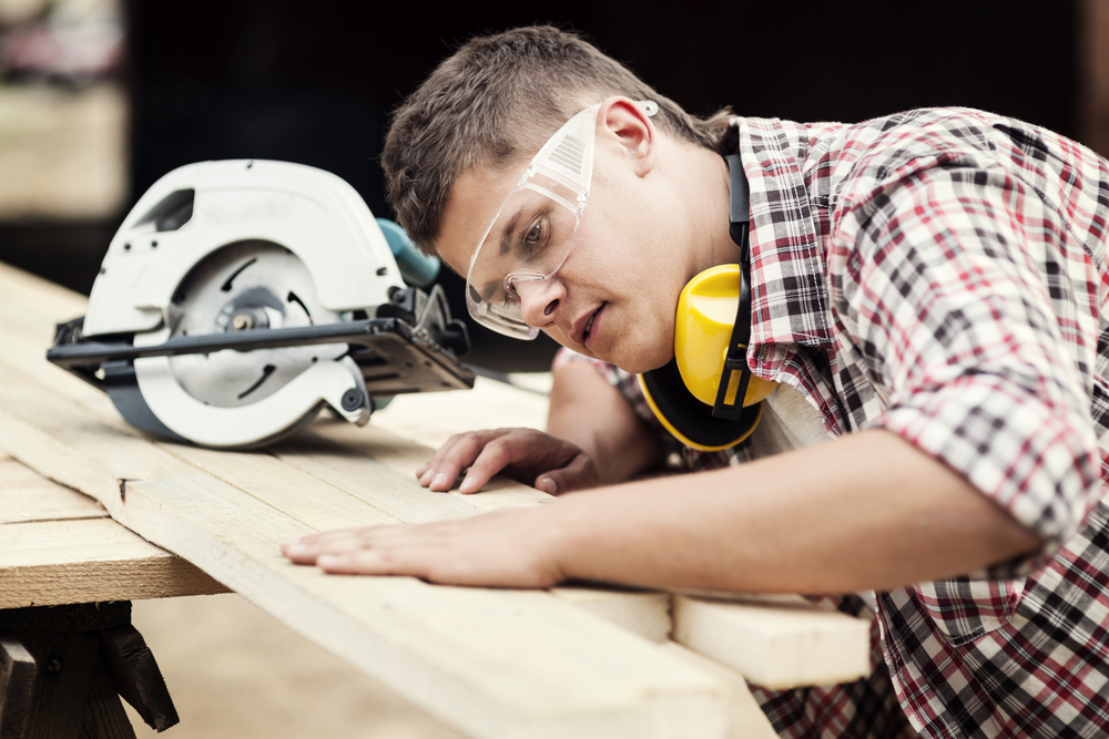 Carpenter/ woodworker (wood boxes)