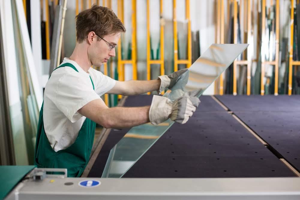 Solar pannel installer (PV panel fitter)