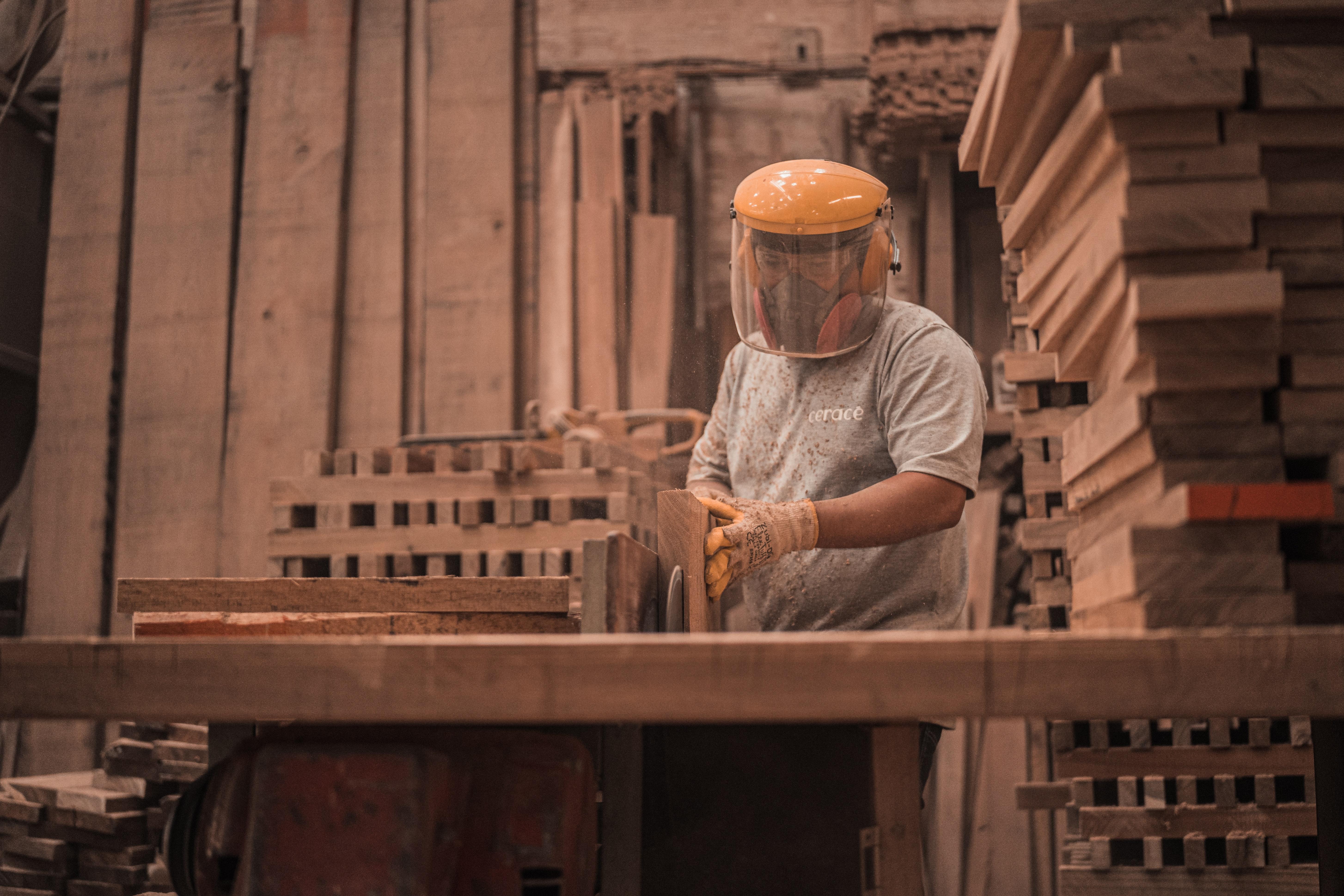 Pallet repairer
