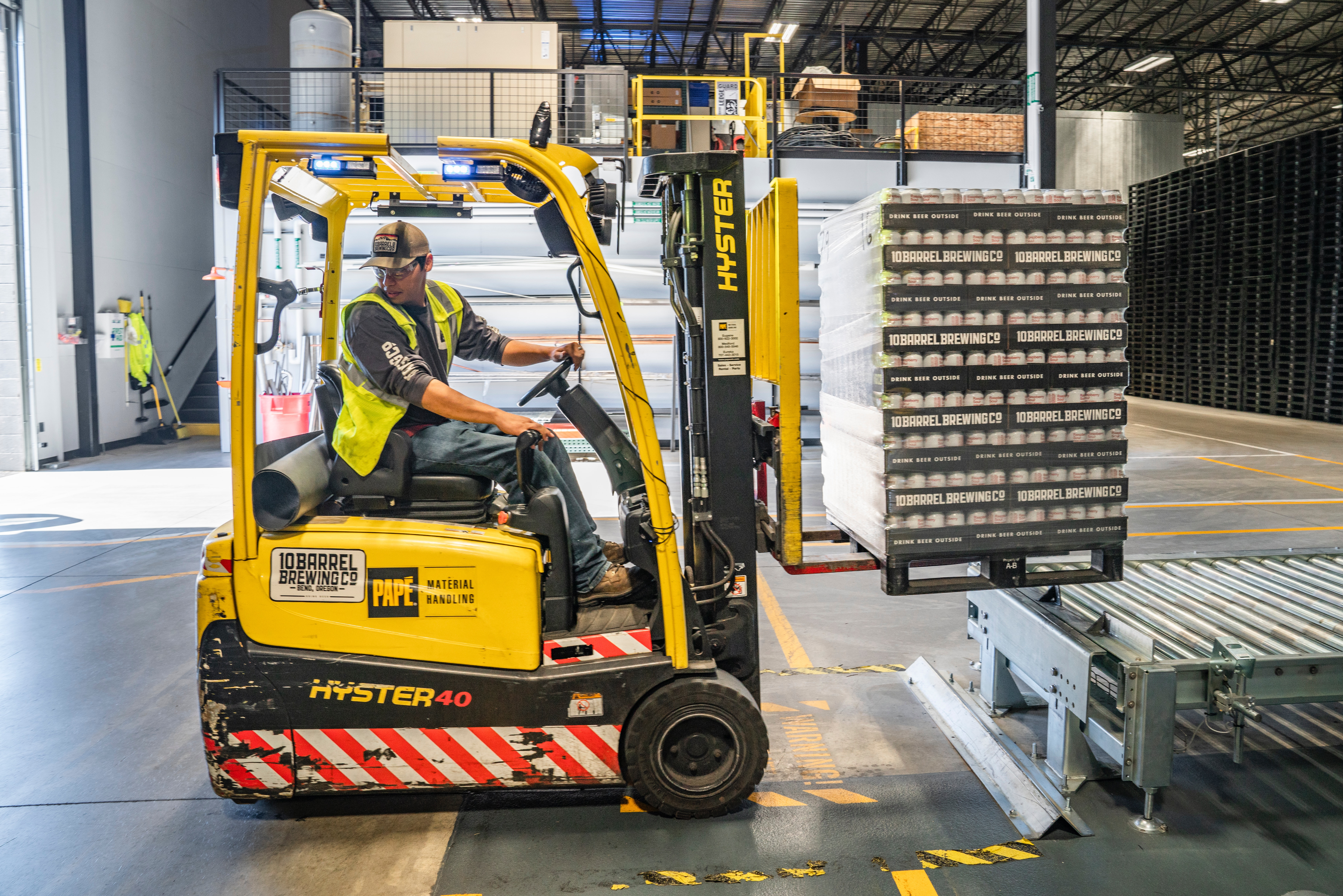 Factory forklift driver (private accomodation & Dutch lang)