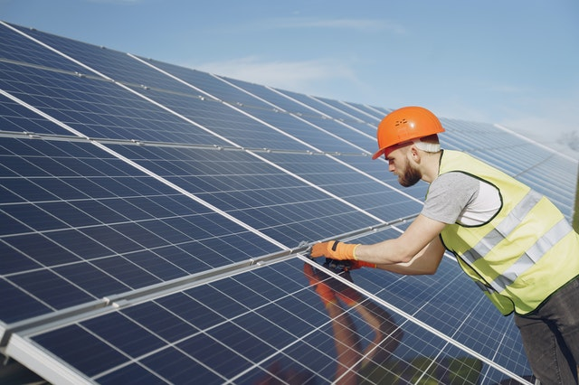 Solar Panel installer (€430+ week/net) construction experience!