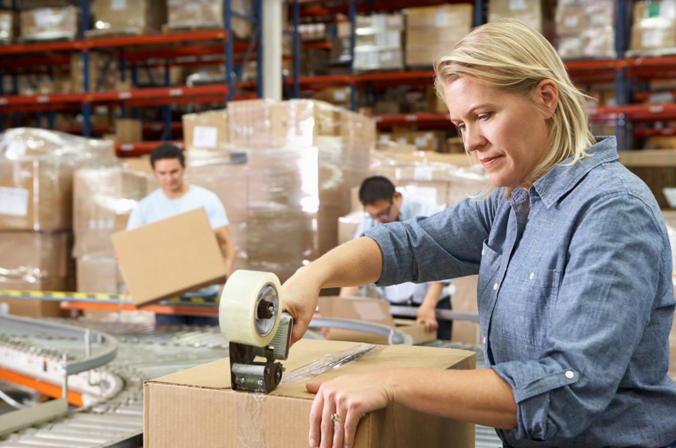 Warehouse worker (repacking)