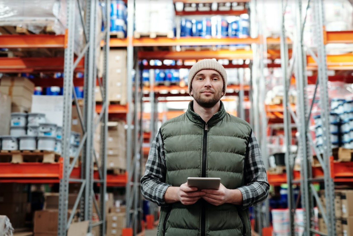 Warehouse Worker (different temperatures)