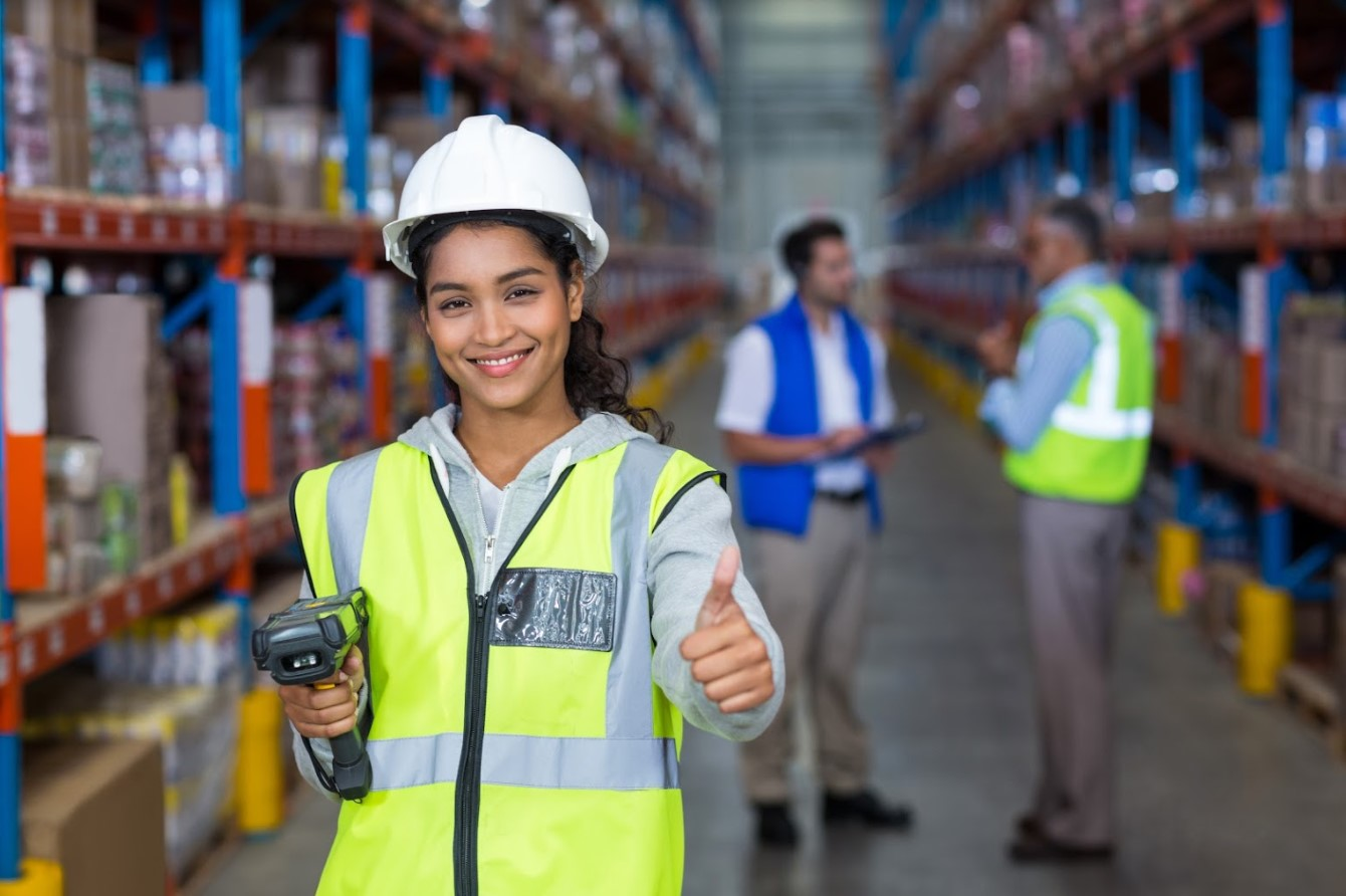 Clothing warehouse worker (summer job)