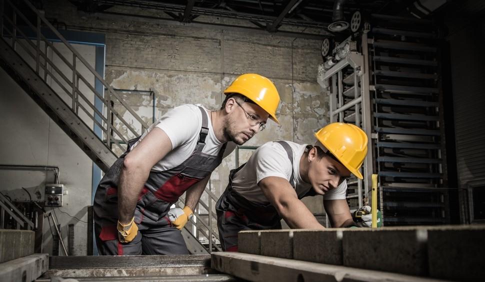 Production worker (concrete elements)