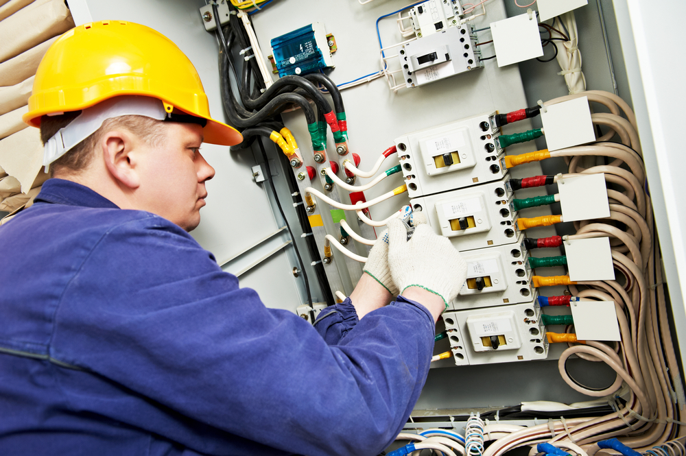 Electrician for construction and projects